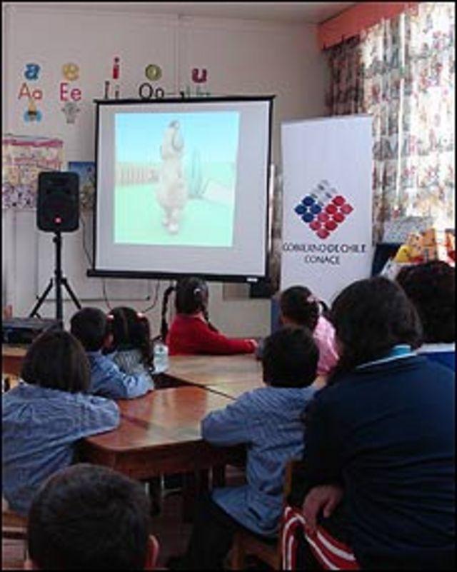Campaña antidroga en escuelas de Chile