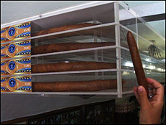 Habanos que fueron Record Guinness guardados en caja