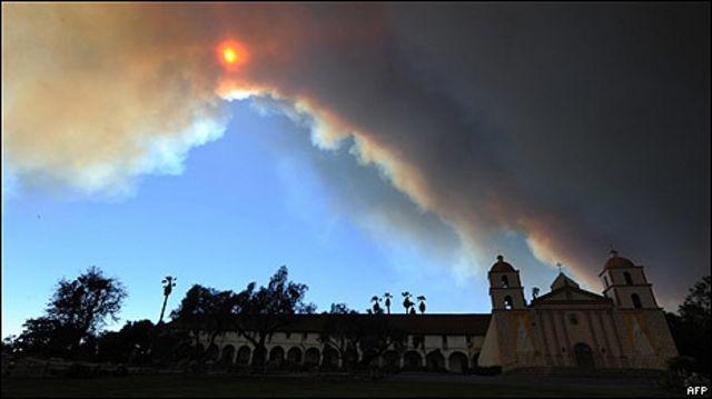 Fuego en Santa Barbara