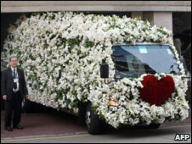 Xe tang của bà Nina Wang