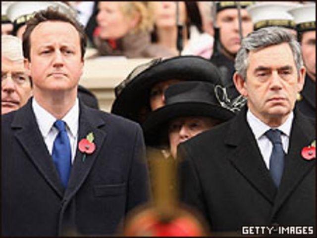 David Cameron (derecha) y Gordon Brown.
