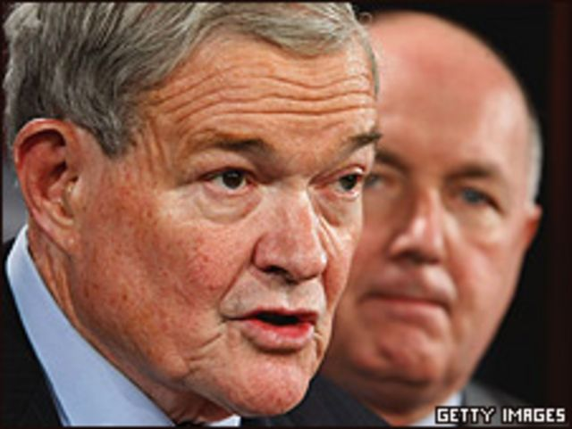 Congresistas republicanos Christopher Bond y Peter Hoekstra