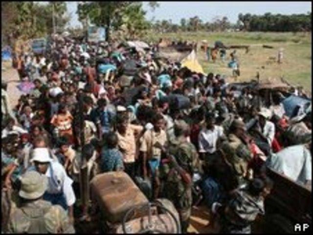 Tamiles civiles desplazados.