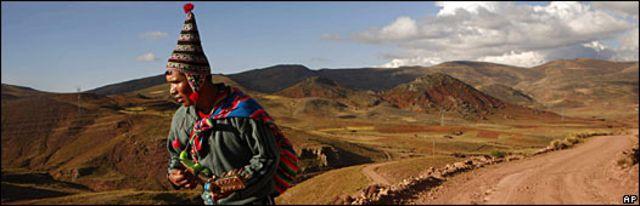 Imagen de un indígena en el altiplano boliviano