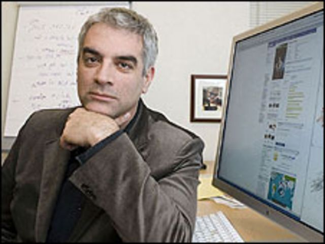 Nicholas A Christakis, PhD, internista y sociólogo de Harvard
