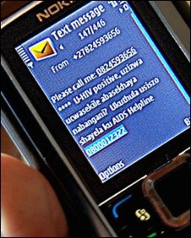 Un celular con un mensaje