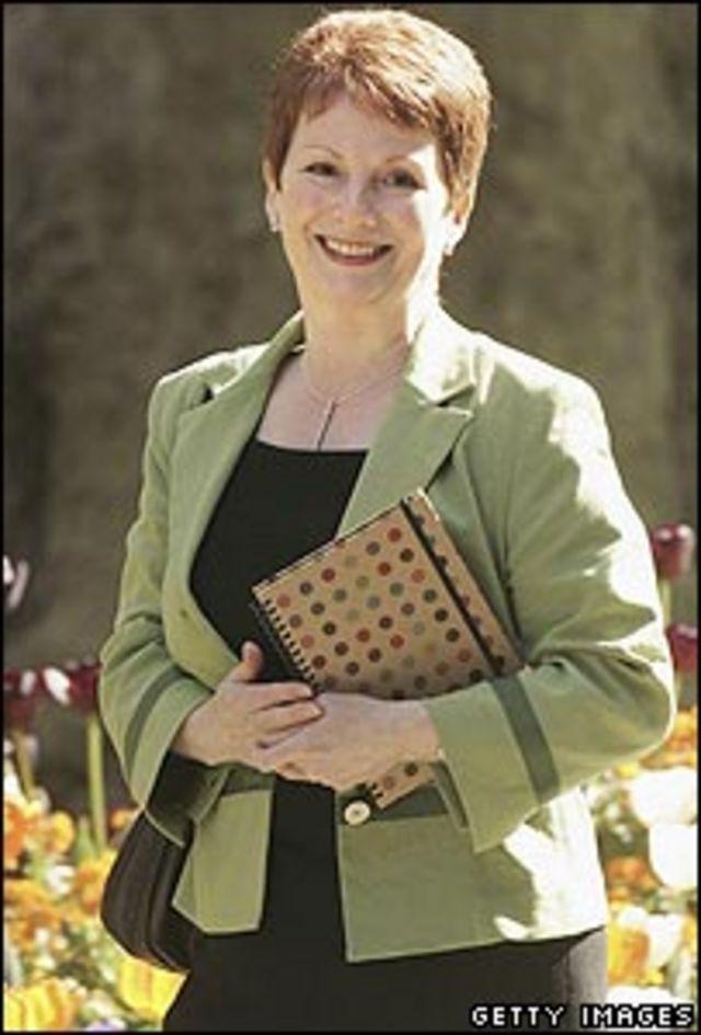 La ministra británica de Comunidades, Hazel Blears
