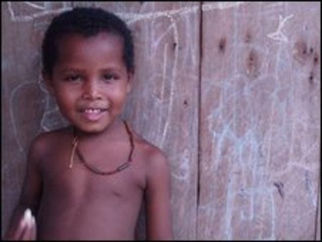 Un niño de una comunidad del Chocó