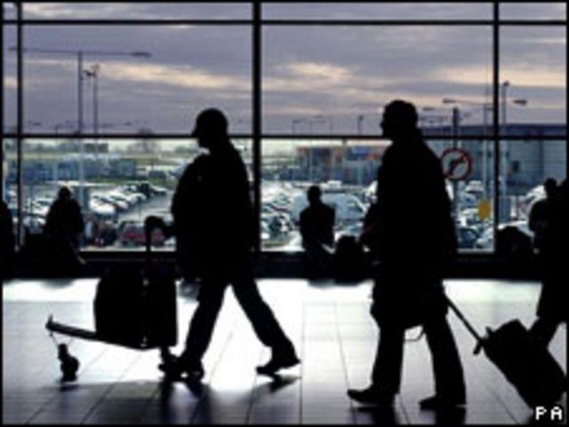 Pasajeros en aeropuerto europeo