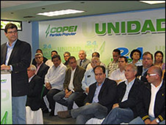 Luis Planas habla durante la rueda de prensa de lanzamiento de mesa unitaria