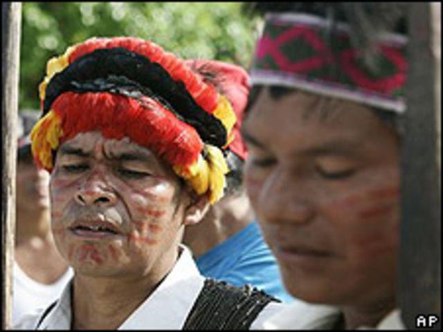 Indígenas nativos de Perú.
