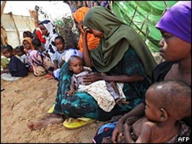 Familias de refugiados en Mogadiscio.