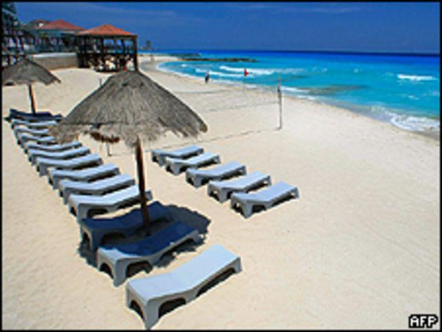 Playa de Cancún, casi vacía