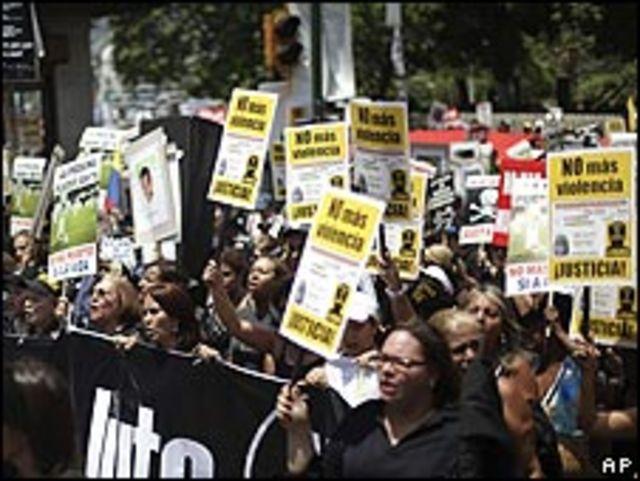 Protesta en contra de la violencia delictiva en Caracas el 20 de junio.