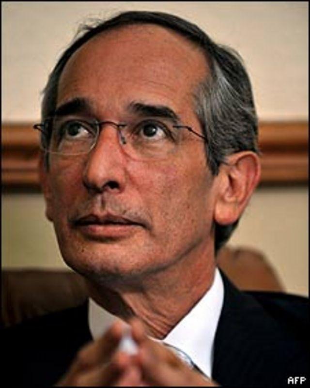 Presidente de la República, Álvaro Colom.