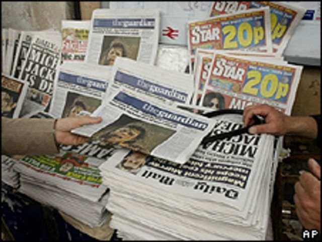 La noticia de Michael Jackson en los periódicos