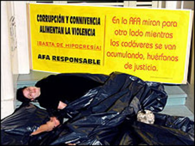 Protesta contra la violencia en el fútbol en Argentina. Fotos: cortesía Salvemos Al Fútbol