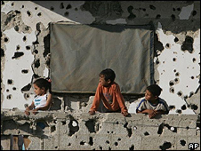Niños en la ciudad de Rafah. Foto de archivo: 20-06-09