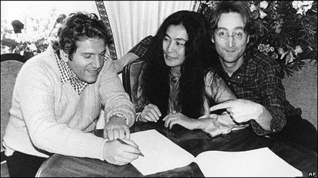 Аллен Клейн с Йоко Оно и Джоном Ленноном