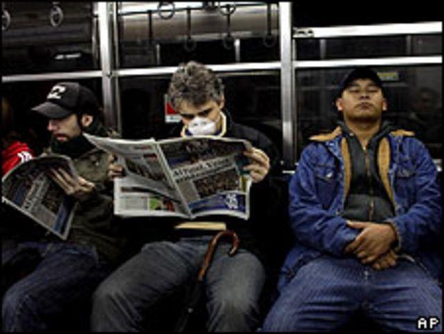 Personas en el metro de Buenos Aires