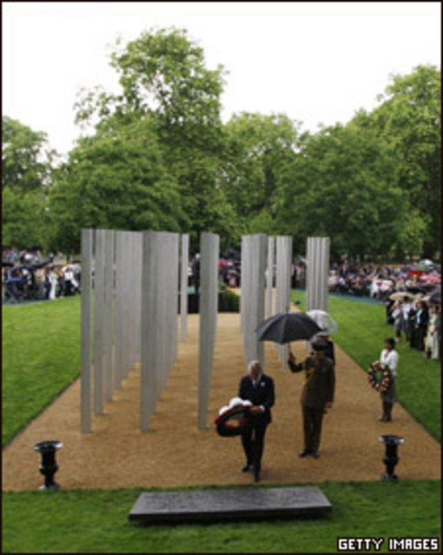 ازاحة الستار عن نصب ضحايا تفجيرات لندن
