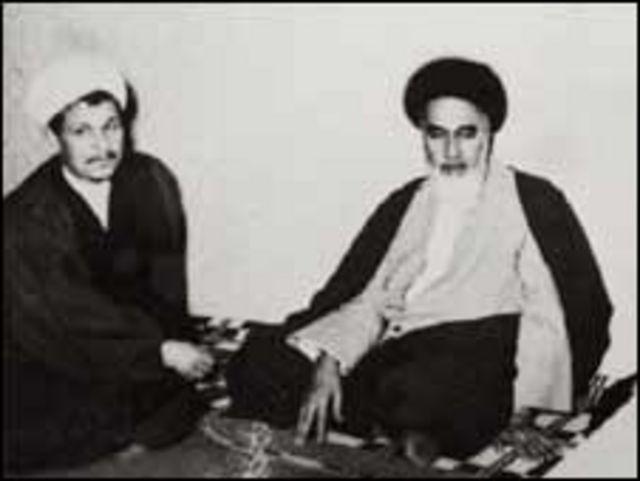 اکبر هاشمی رفسنجانی از یاران نزدیک آیت الله خمینی بنیانگذار جمهوری اسلامی محسوب می شود