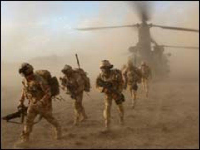 جنود بريطانيون في افغانستان