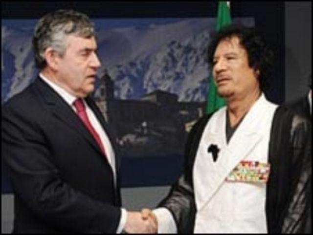 براون يلتقي بالقذافي