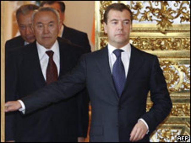 Медведев, Назарбаев и Бакиев на саммите ОДКБ