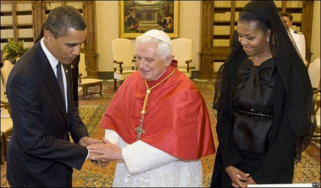 El Papa Benedicto XVI con el matrimonio Obama