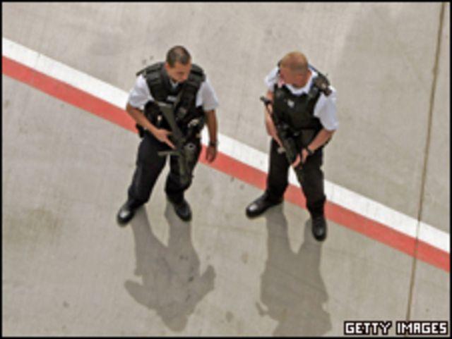 أفراد الشرطة البريطانية
