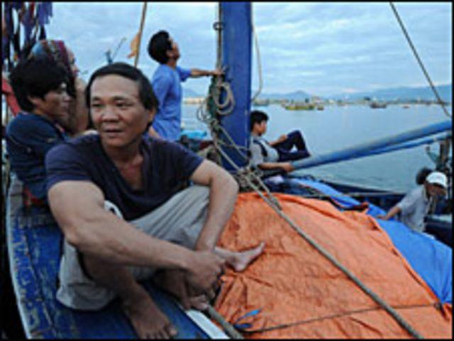 Nhiều ngư dân Việt Nam gặp khó khăn khi ra biển