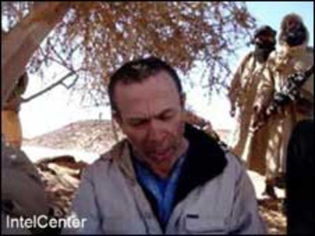 صورة الرهينة البريطاني الذي تم إعدامه في قبضة القاعدة