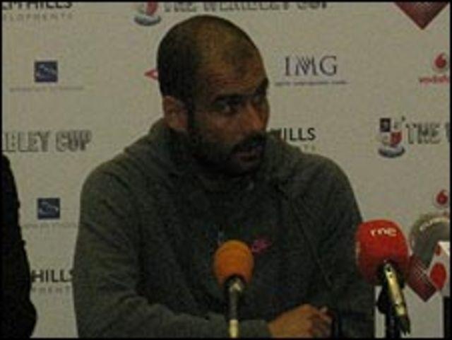 جوارديولا خلال المؤتمر الصحفي