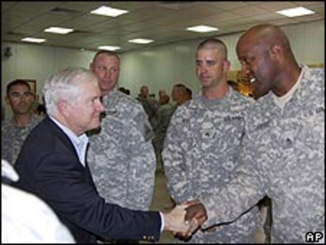 جيتس التقى الجنود الأمريكيين في العراق