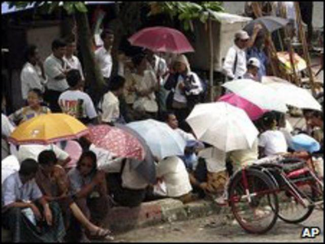 أنصار سان سو تشي تستقبل دبلومايين أجانب