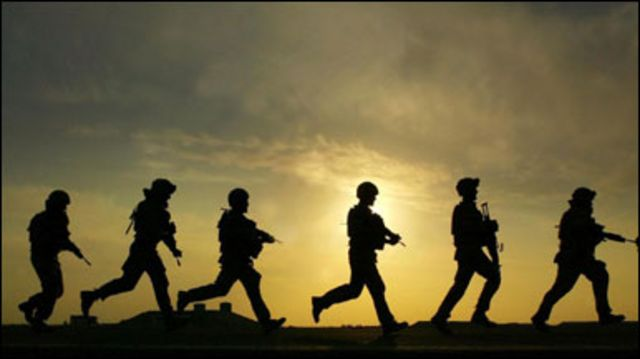 جنود بريطانيون بدناء