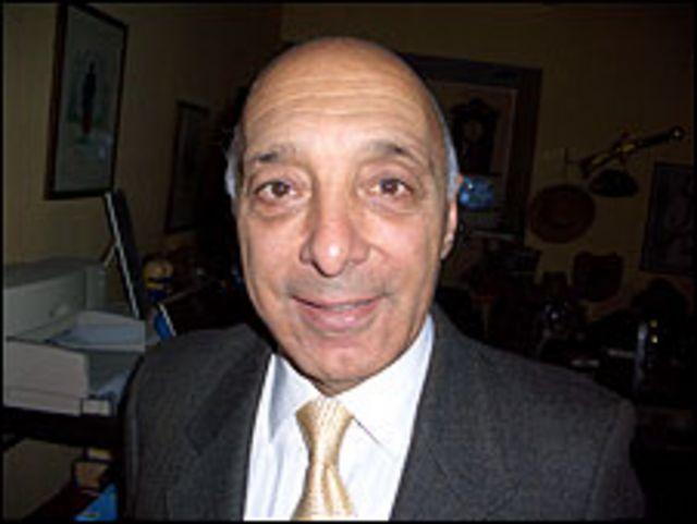 Dr. Minotti, médico homeópata