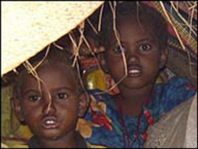 أطفال صوماليون مشردون