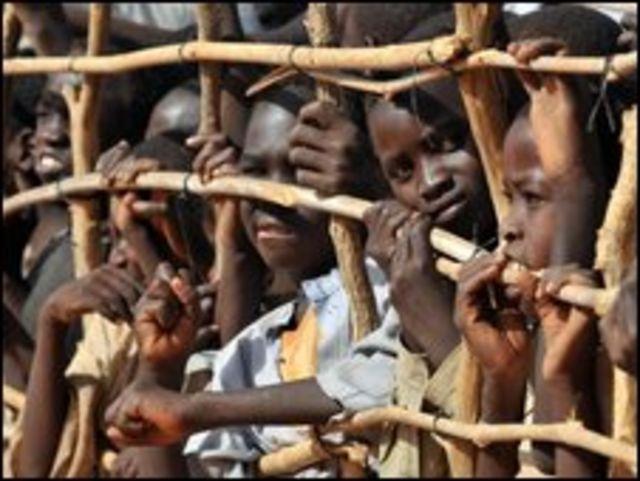 اطفال من لاجئي دارفور