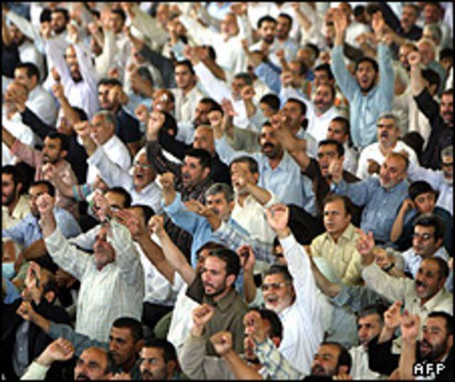 نماز جمعه تهران یکی از عمده ترین تریبون های محافظه کاران برای انتقاد از مخالفان و کشورهای غربی است