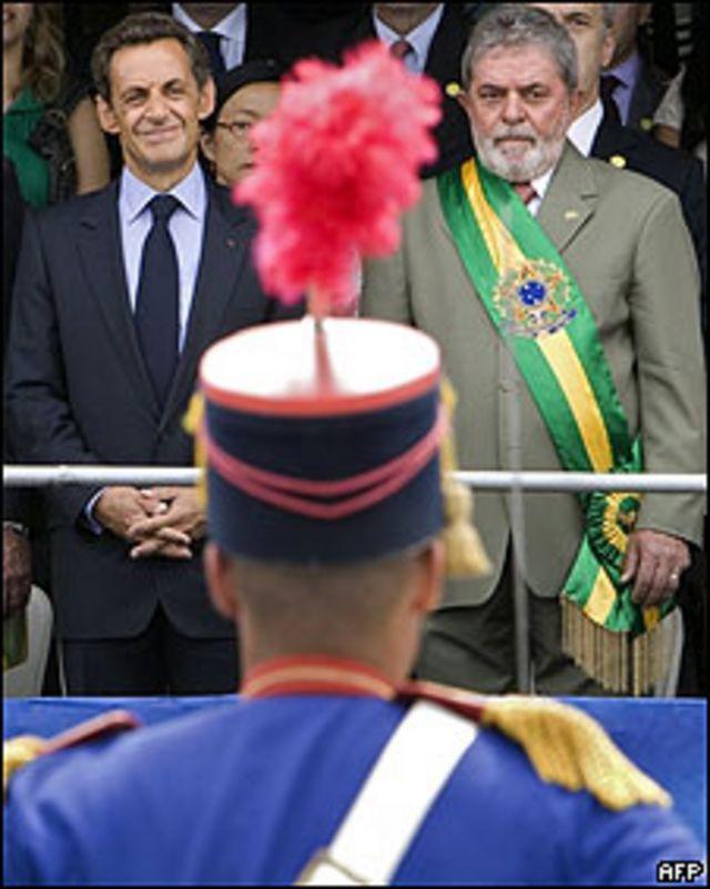 l presidente francés, Nicolás Sarkozy (izq.) y su par brasileño, Luiz Inacio Lula da Silva