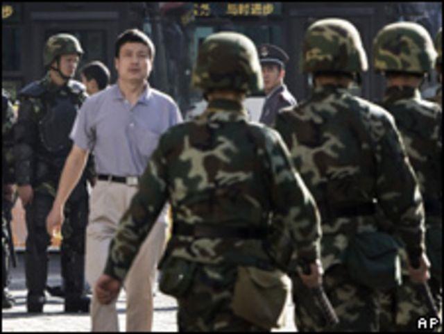 قوات أمن صينية في عاصمة اورومتشي