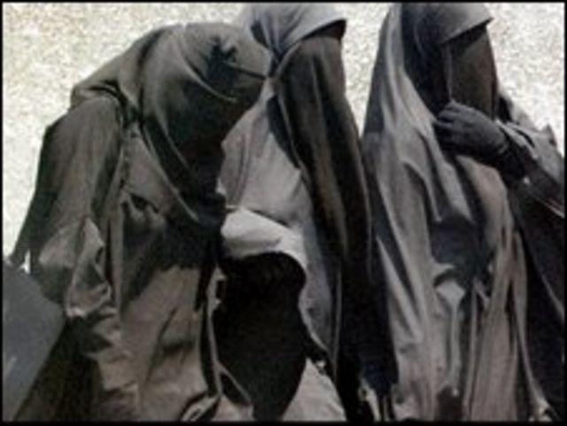 القضاء المصري يؤيد حظر ارتداء النقاب فى الامتحانات الجامعية