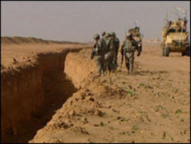 خندق على الحدود العراقية السورية