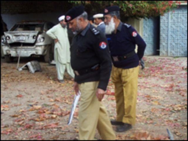 موقع انفجار في باكستان (من الأرشيف)