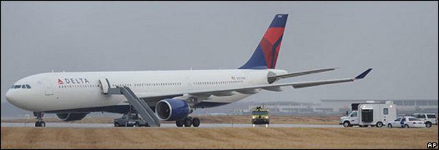 美國西北航空NW253班機停在底特律都會機場的跑道上(25/12/2009)