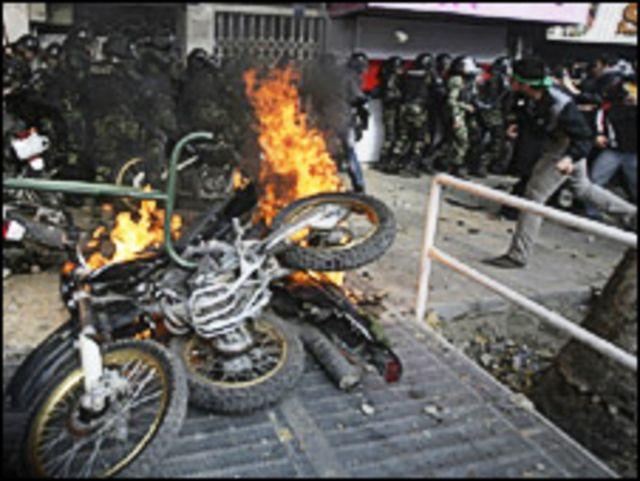 اعمال شغب خلال التظاهرات في ايران