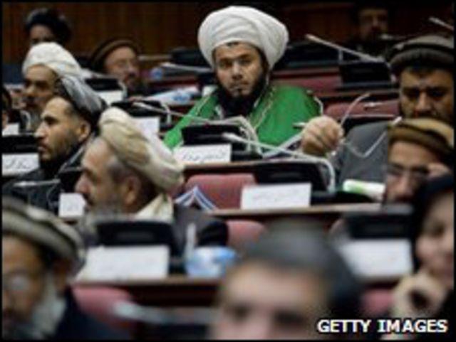 البرلمان الأفغاني يرفض ثلثي مرشحي كرزاي للحكومة الجديدة