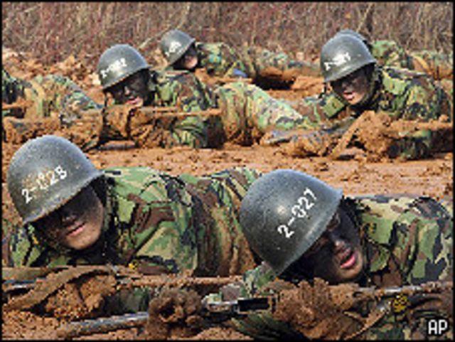 تدريبات لجنود كوريين جنوبيين